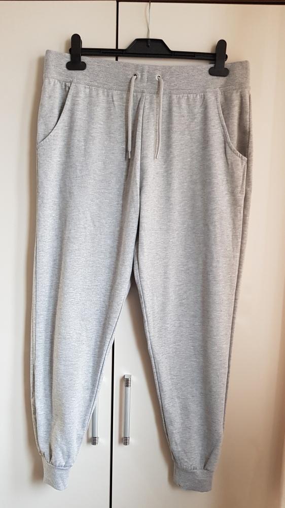 Spodnie dresowe New Look 44