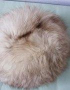Cieplutka czapka z lisa