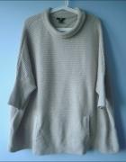 HM beżowe ponczo sweter nude półgolf minimalizm...