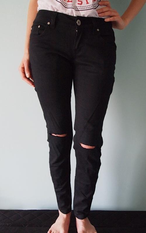 Czarne spodnie z dziurami Terranova 36 S rurki DIY