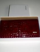 Nowy skórzany portfel bordowy lakierek