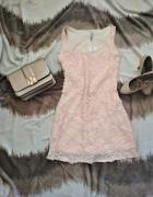Krótka sukienka w kwiaty Reserved xs