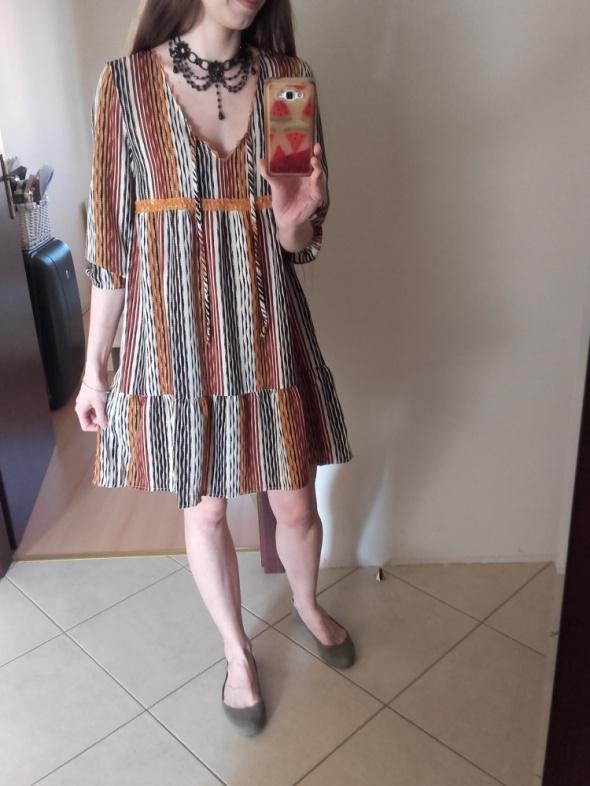 Szyfonowa sukienka 36s