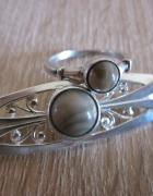 Warmet srebrny pierscionek i broszka z kamieniem