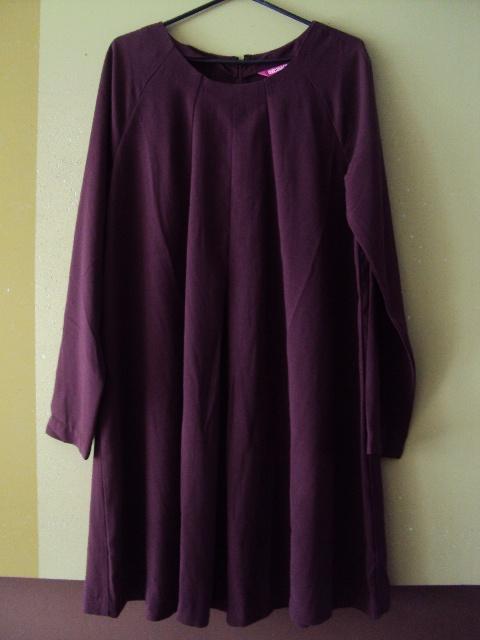 burgundowa trapezowa sukienka