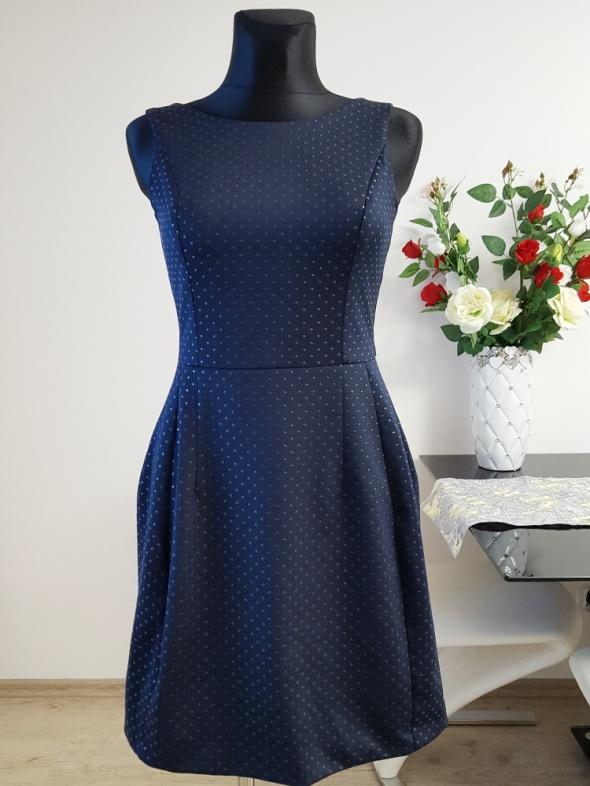 Suknie i sukienki granatowa sukienka zdobiona