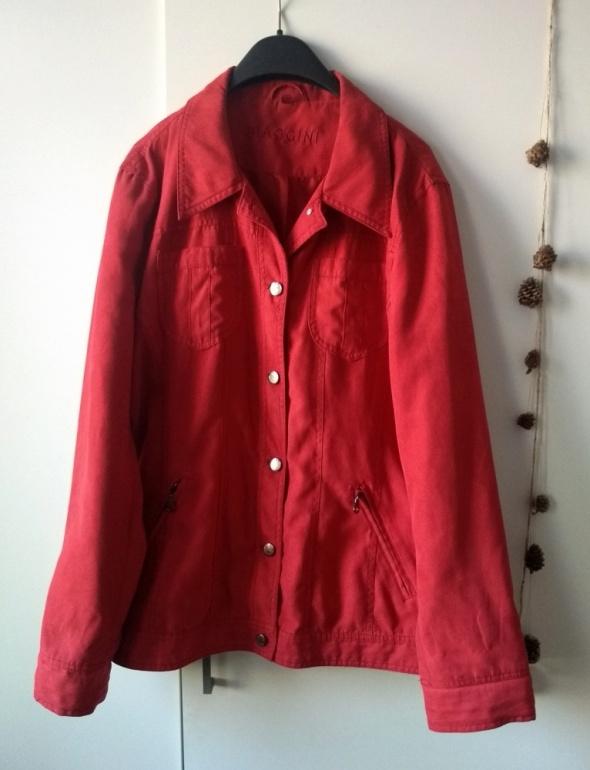 kurtka czerwona...
