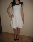 Biała rozkloszowana sukienka złoty zamek S 36...