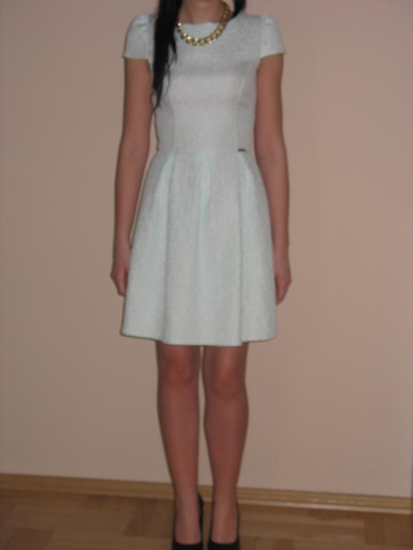 Miętowa rozkloszowana sukienka XS 34 S 36