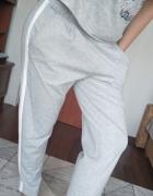 Nowe spodnie szare esmara chinosy...