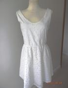 Sukienka Biała Rozkloszowana Ażurowy Haft Modne Plecy Pull Bear...