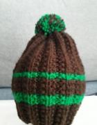 Brązowa wełniana czapka na zimę ręcznie robiona
