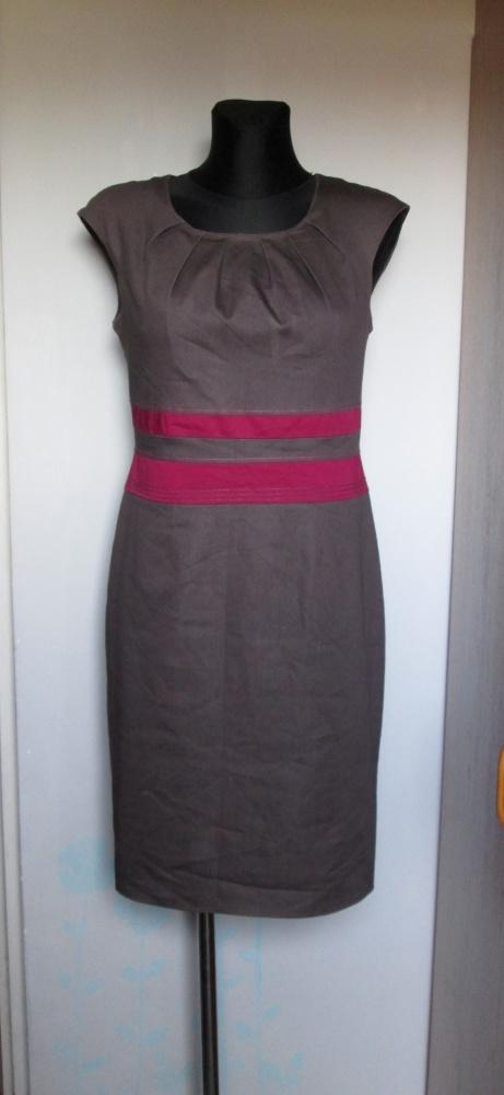 Elegancka sukienka brąz wstawka i przeszycia w kolorze fuksji