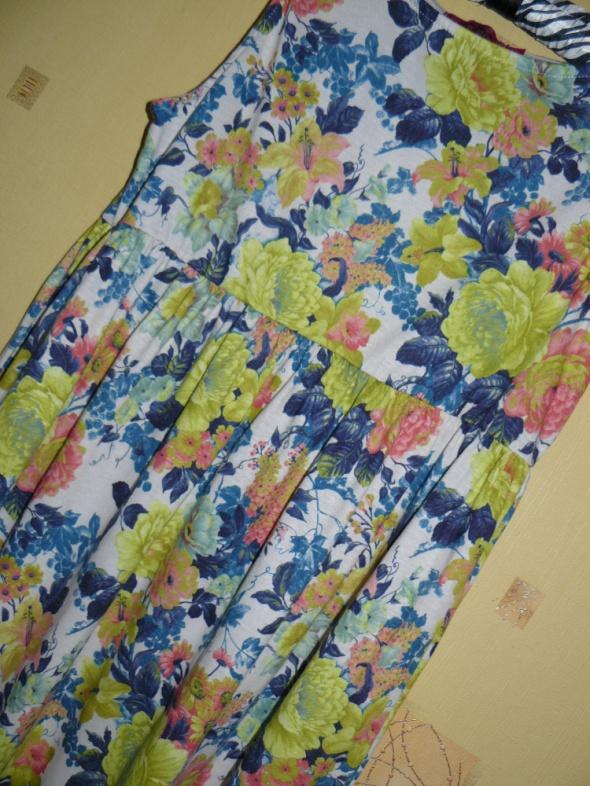 Suknie i sukienki Piękna Suknia Sukienka Boohoo 38 M Floral