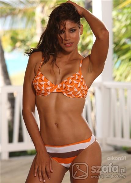 strój kąpielowy bikini w modny deseń