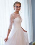 Suknia ślubna śnieżnobiała koronka Pronovias głębokie plecy jed...