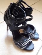 Czarne sandały na szpilce 37