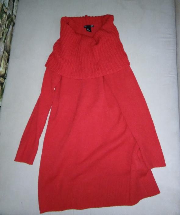 Czerwony swetere