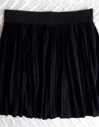 Czarna plisowana spódniczka House...