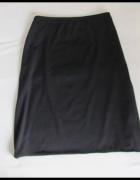 New Look czarna prosta spódnica na gumce rozmiar uniwersalny...