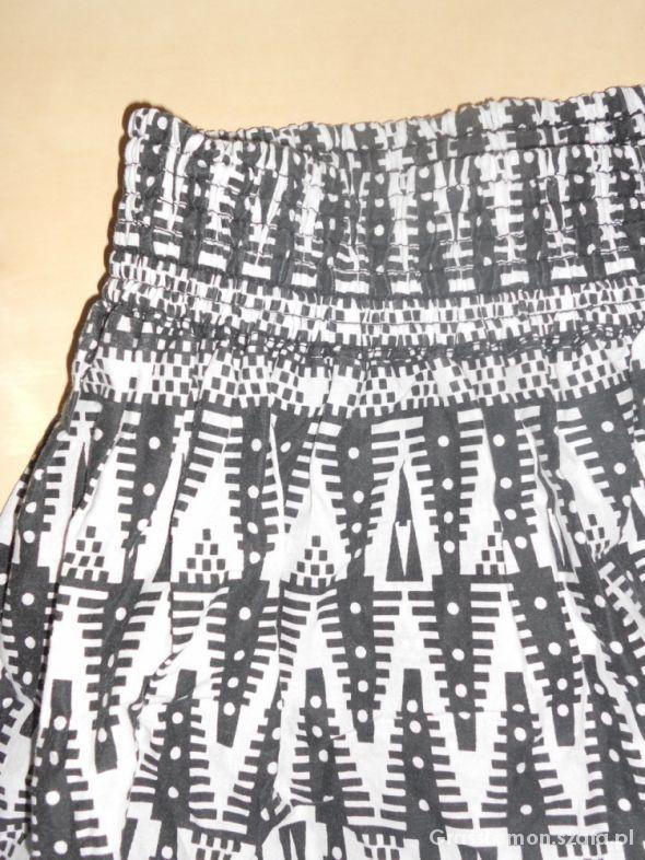Spódnice H&M AZTEC PRINT spódniczka mini L