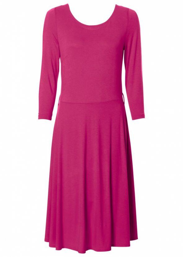 Atrakcyjna różowa sukienka rękaw do łokcia