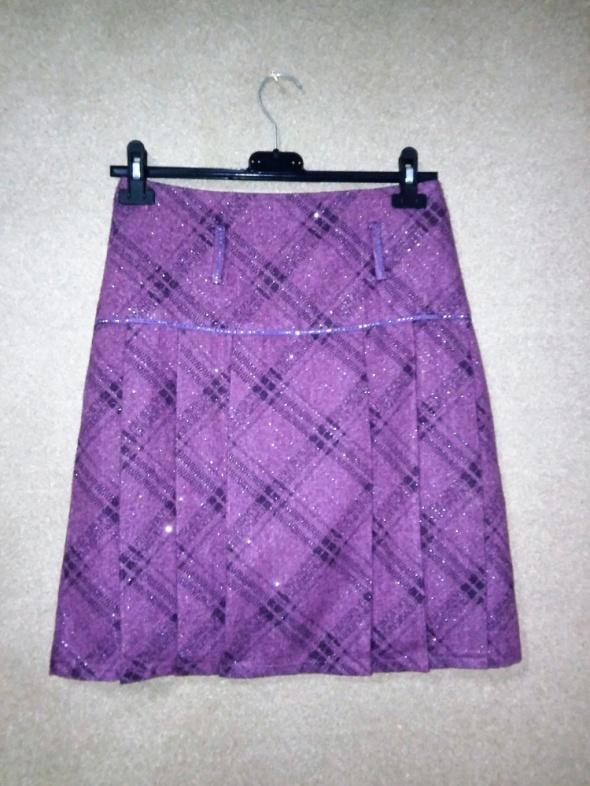 Spódnice Fioletowa połyskująca spódnica trapezowa w kratę