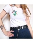 Koszulka z haftem kwiatów...