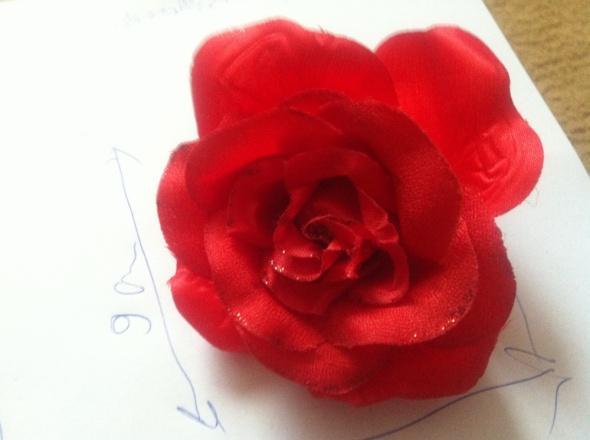 Broszka spinka kwiat czerwony do włosów gumka
