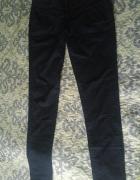 Granatowe spodnie rurki chinos eleganckie...