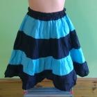 Czarno niebieska paski spódnica rozkloszowana na g