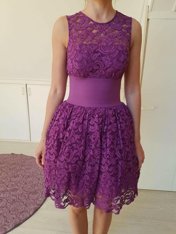 Koronkowa sukienka Asos rozmiar XS