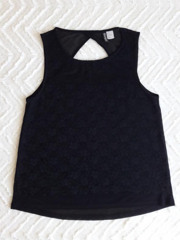 Koronkowa bluzeczka z wycięciem na plecach H&M