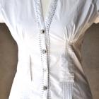 Bluzka INFLUENCE biel ozdobne guziki przeszycia S