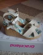 Nowe sandałki na koturnie 36...