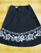 Czarna spódnica kwiaty Oliwia 40 L...