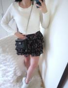 Terranova Sweter damski klasyczny biały L 40...