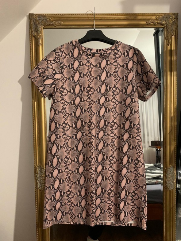 Suknie i sukienki Sukienka w wężowy wzór