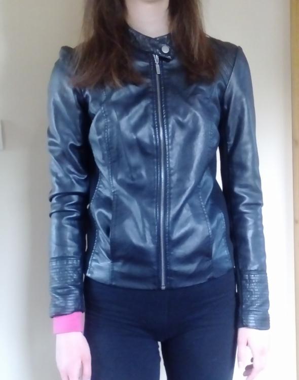 Skórzana kurtka ramoneska damska czarna
