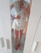 Ażurowa sukienka narzutka