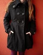 Czarny klasyczny ocieplany płaszcz rozm S M