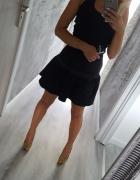 sukienka mała czarna z falbanką 36