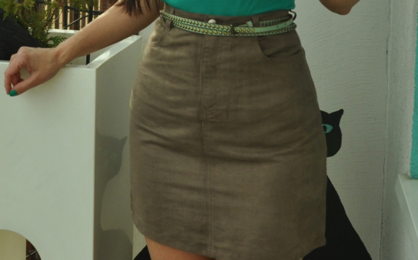 Spódnice beżowa spódnica