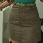 beżowa spódnica