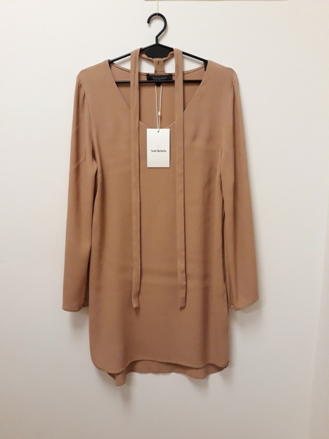 NOWA metka Soft Rebels sukienka 100 wiskoza z chokerem pudrowa łososiowa 38