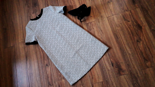 Sukienka jodełka