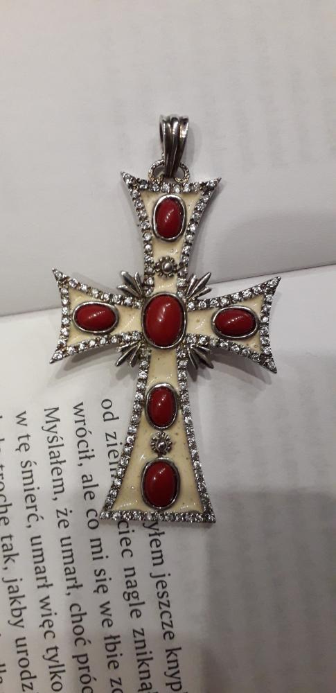 Srebrny krzyż bardzo duży z kamieniami emaliowany