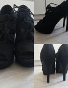 Sandały na szpilce...