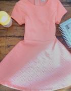 Neonowa sukienka xs różowa zdobiona krótka