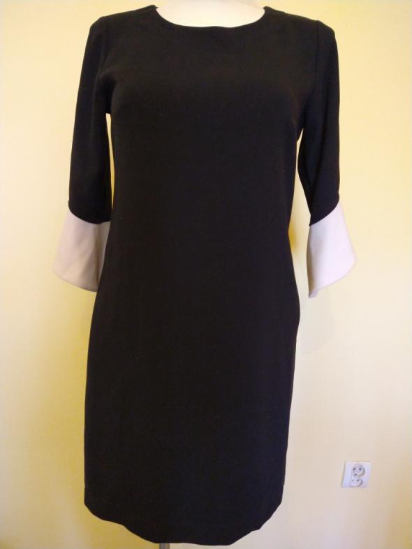 Sukienka czarna DanHen